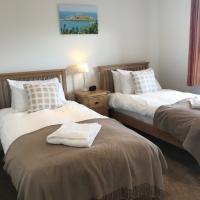 7_Mackerel_Twin_Bedroom