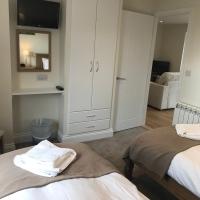 8_Mackerel_Twin_Bedroom
